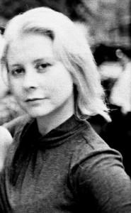Liza-headshot-blur01